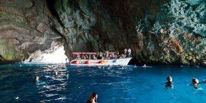 Экскурсия к голубой пещере