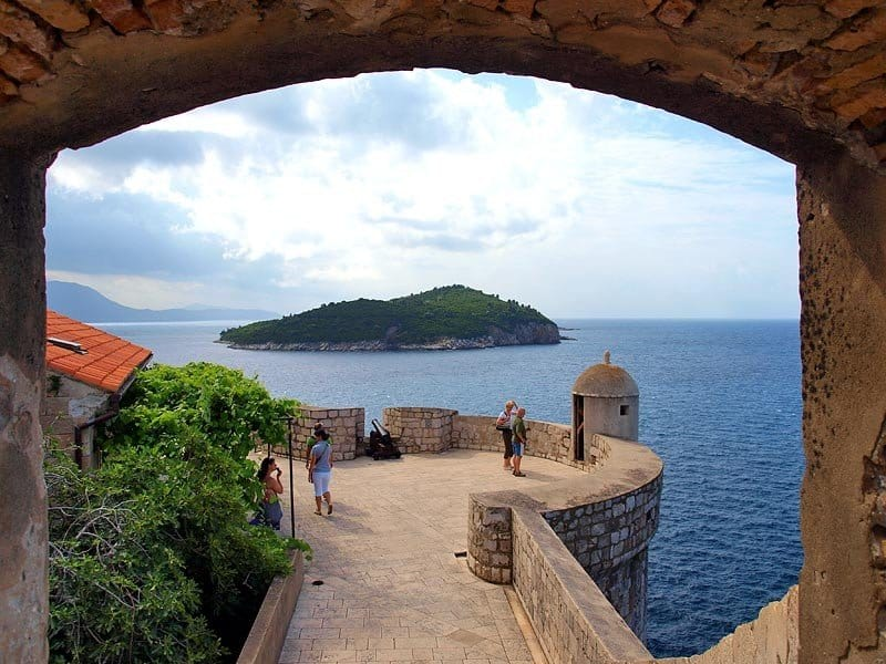 Остров Локрум с городской стены