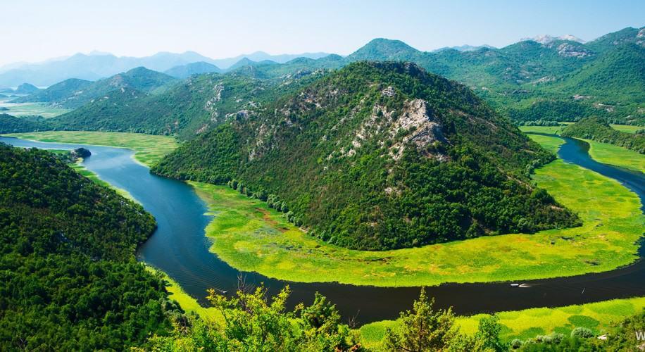 Вид сос мотровой площадки на реку Црноевича