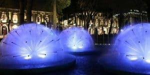 Вечерняя подсветка фонтанов