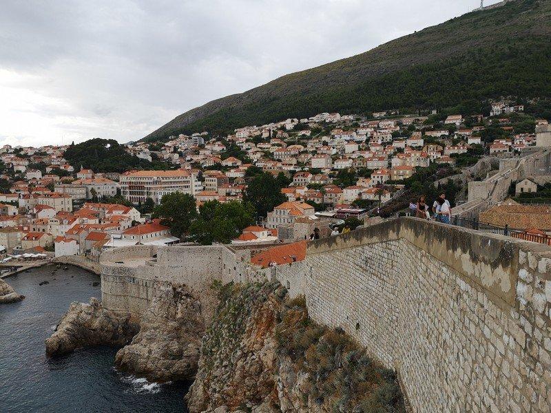 Стена вокруг старого города