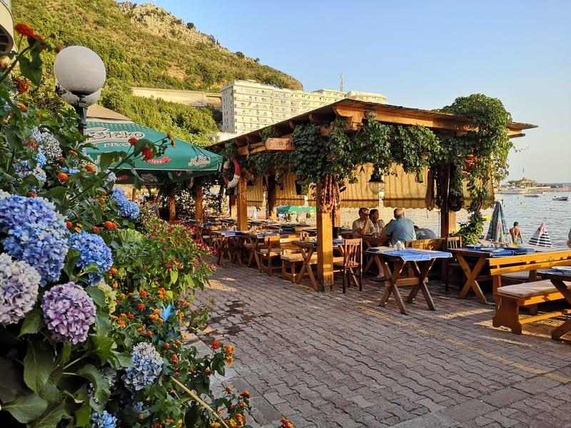 Черногория или Хорватия: куда поехать отдыхать
