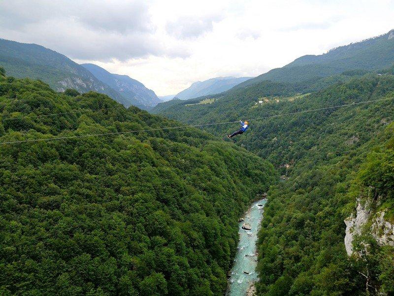 Полет над рекой Тара