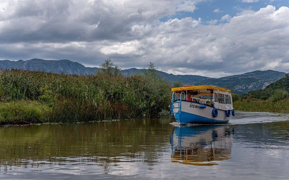 Экскурсия по озеру
