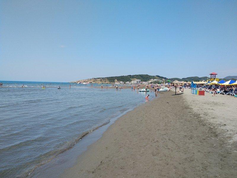 Широкий пляж в Ульцинь
