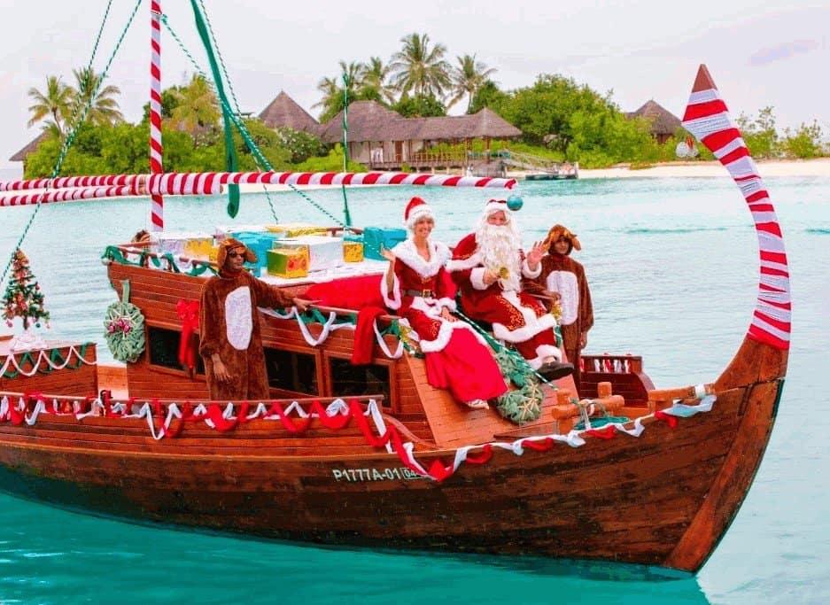 Новогодний корабль на Мальдивах