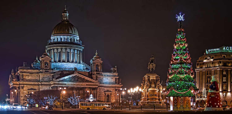 Санкт Петербург в новогодних огнях