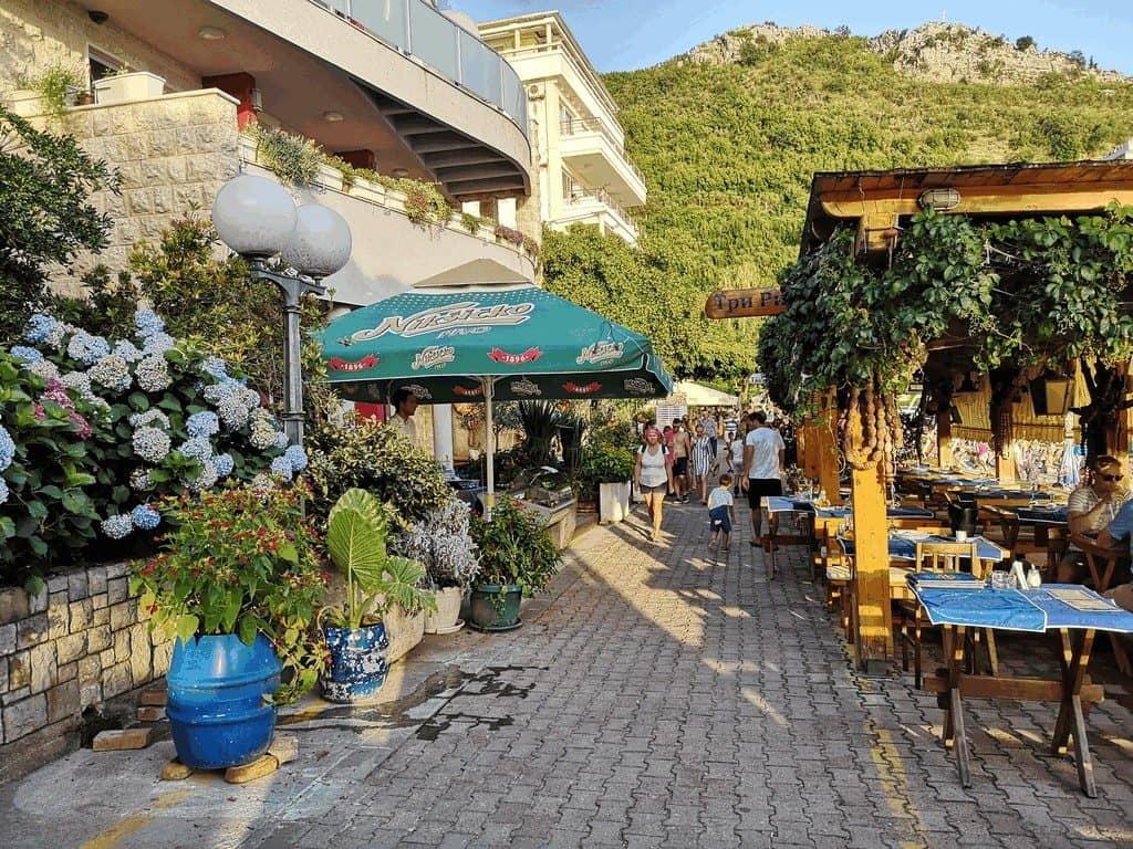 Ресторан 3 рыбаря - один из самых популярных в городе