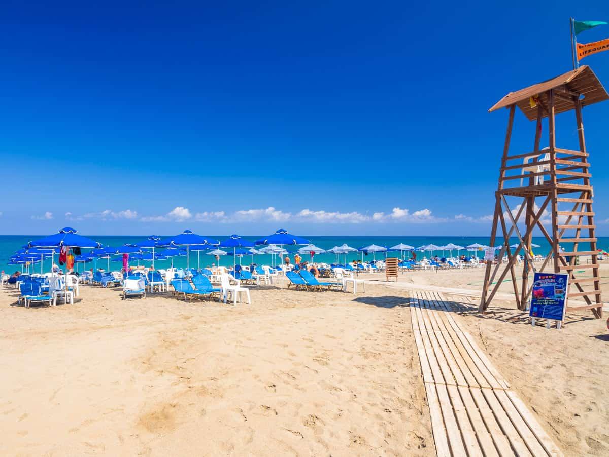 Пляж в Ретимно утром