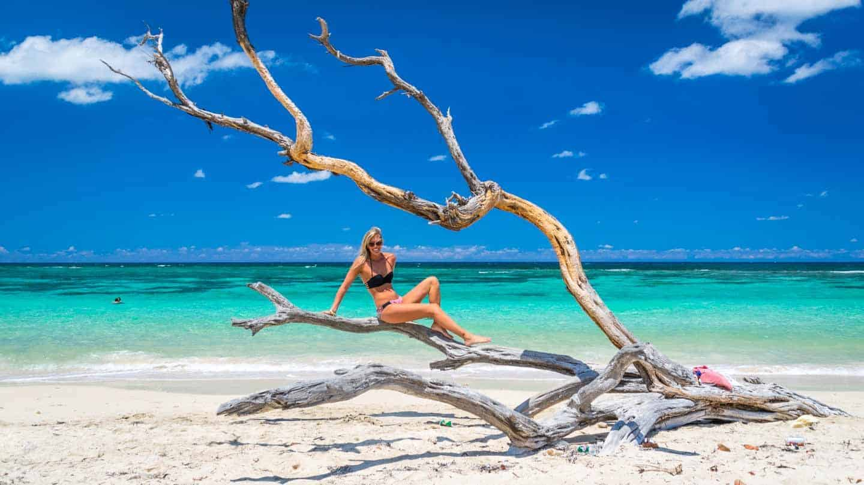 Девушка на пляже в Варадеро
