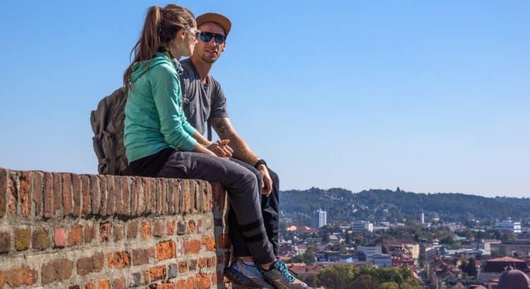 Молодая пара - активный отдых